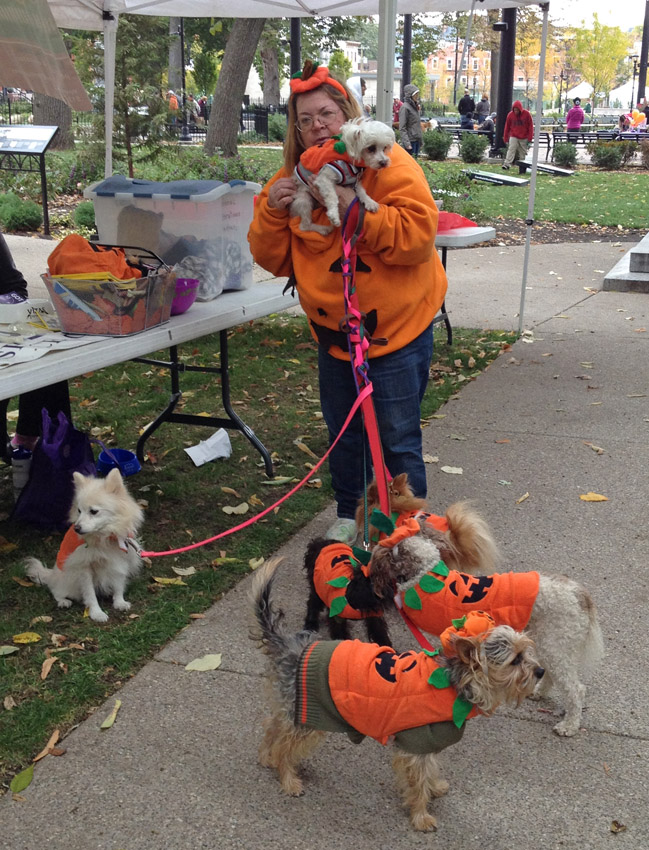 YWCA of Cincinnati Bark Out Against Battering Event at Washington Park