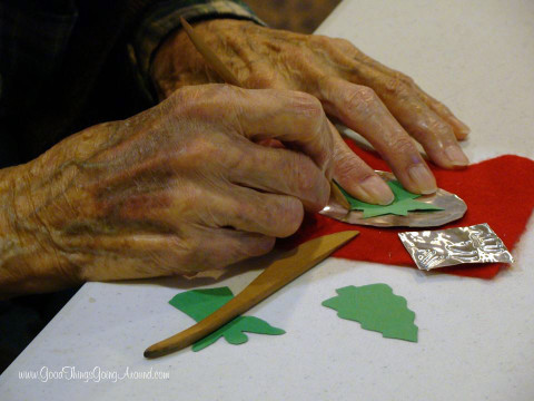 Creative Aging is a Cincinnati nonprofit organization that contracts over 100 professional artists, performers and educators to enrich the lives of seniors